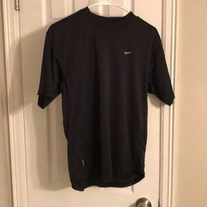 Men's Black Nike Dri-Fit Tee 💪🏻💪🏻👟